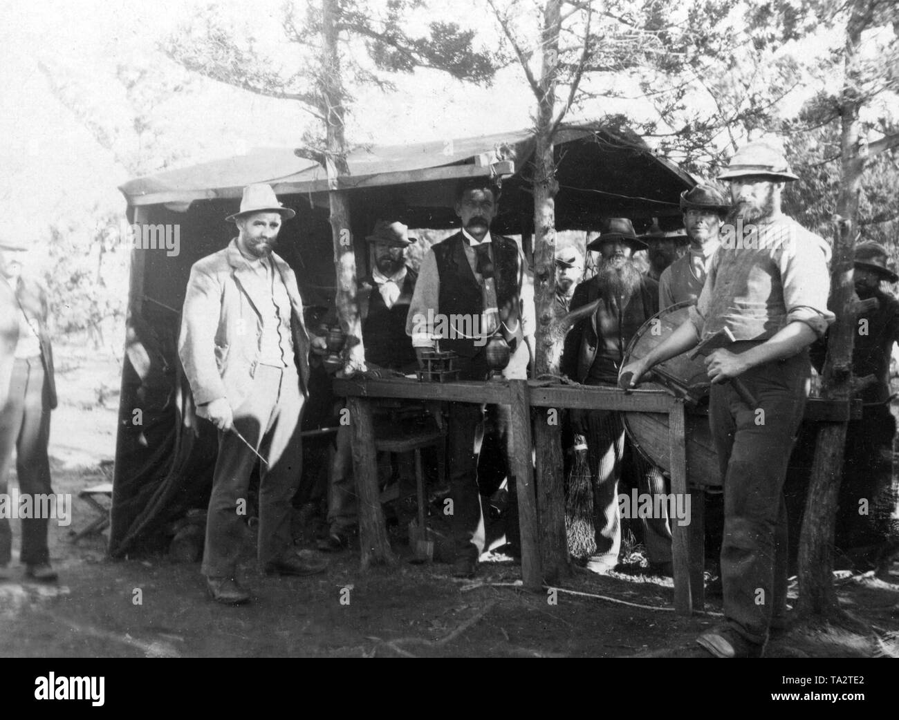 Captured Boers from South Africa, concentration camp 1899-1902: Boers in a prison camp on the Bermudas - Prisoners at work. - Stock Image
