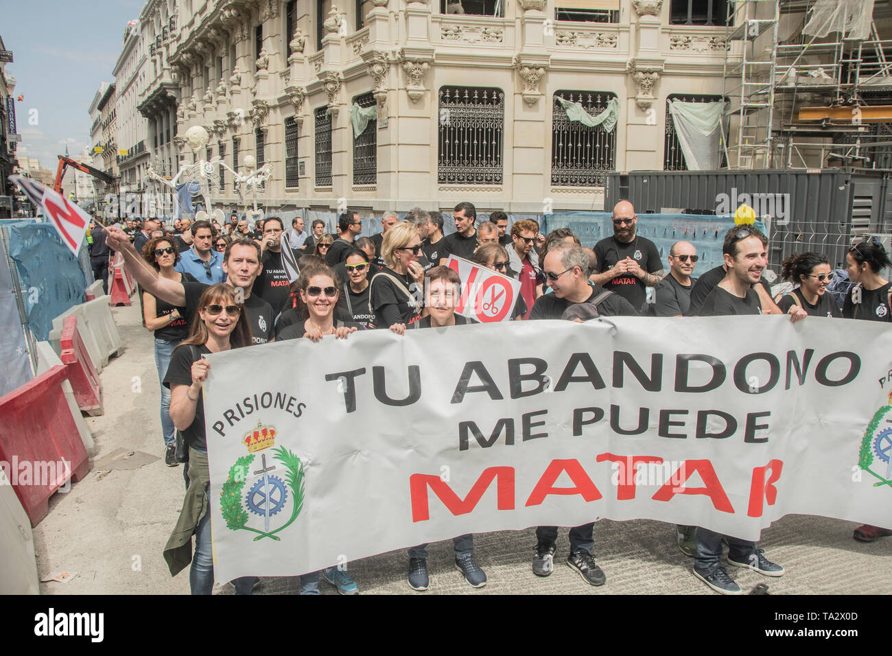 Workers from the Córdoba prison went to Madrid to participate in the demonstration called by the association 'Your abandonment can kill me', to show  - Stock Image