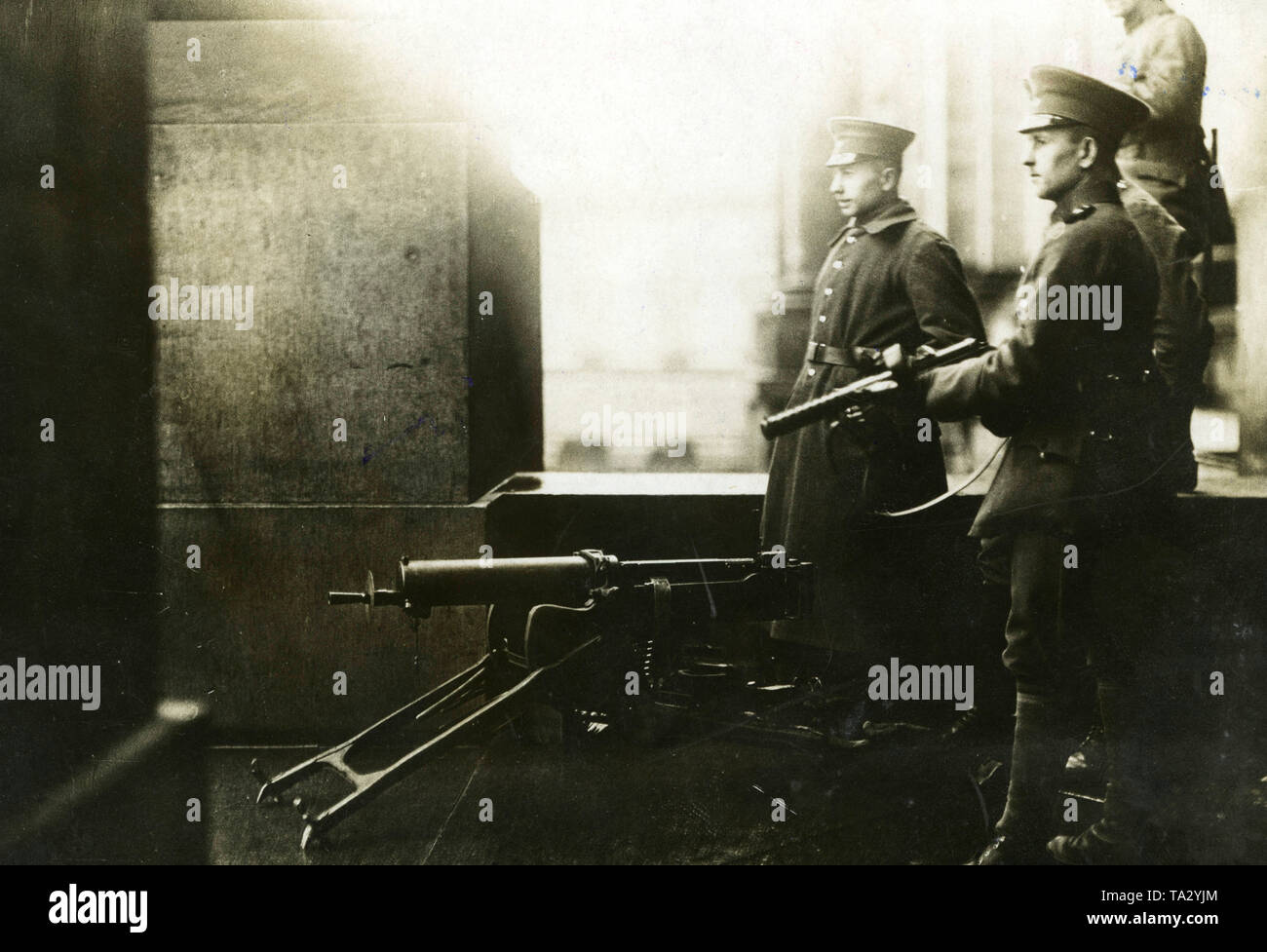 Military securing the Reichstag grounds during deliberations on the Works Councils Act. - Stock Image