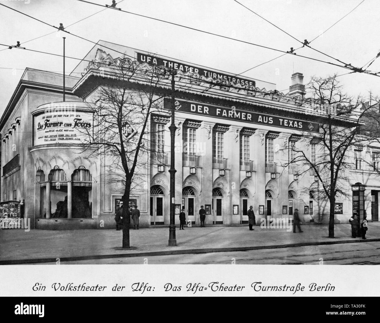 This picture shows a view of the UFA-Theater Turmstrasse. The current film is 'The Farmer from Texas', directed by Joe May. - Stock Image