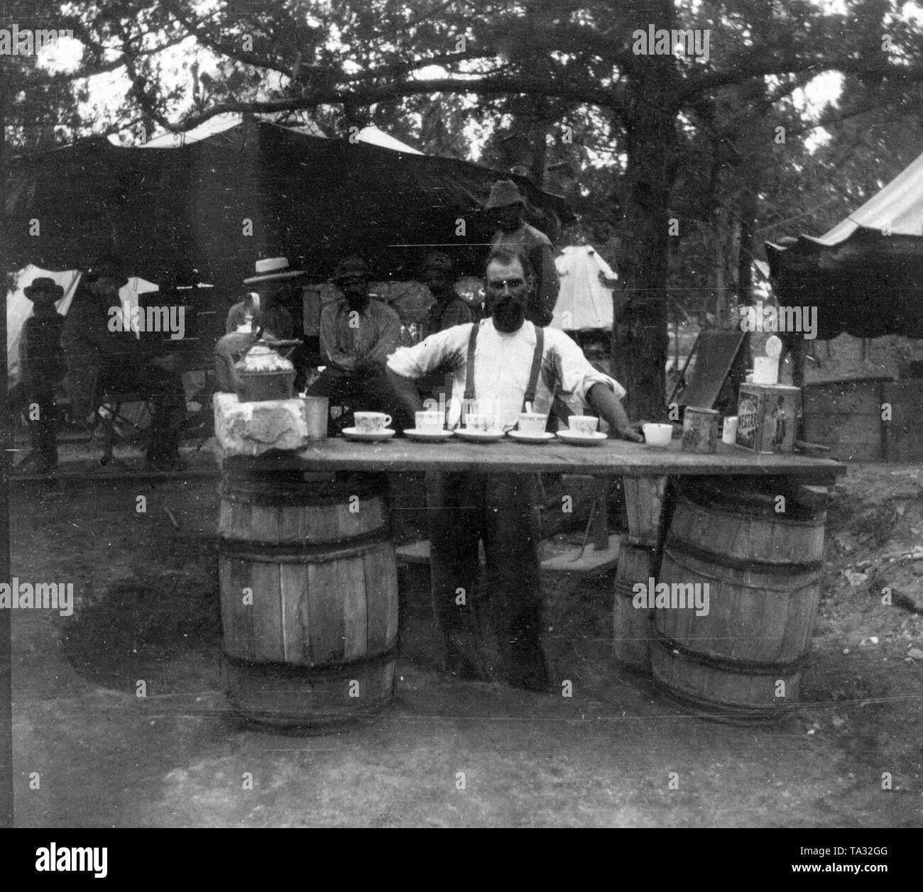 Captive Boers from South Africa, concentration camps 1899-1902: Boers in a detention center on the Bermudas - coffee kitchen. - Stock Image