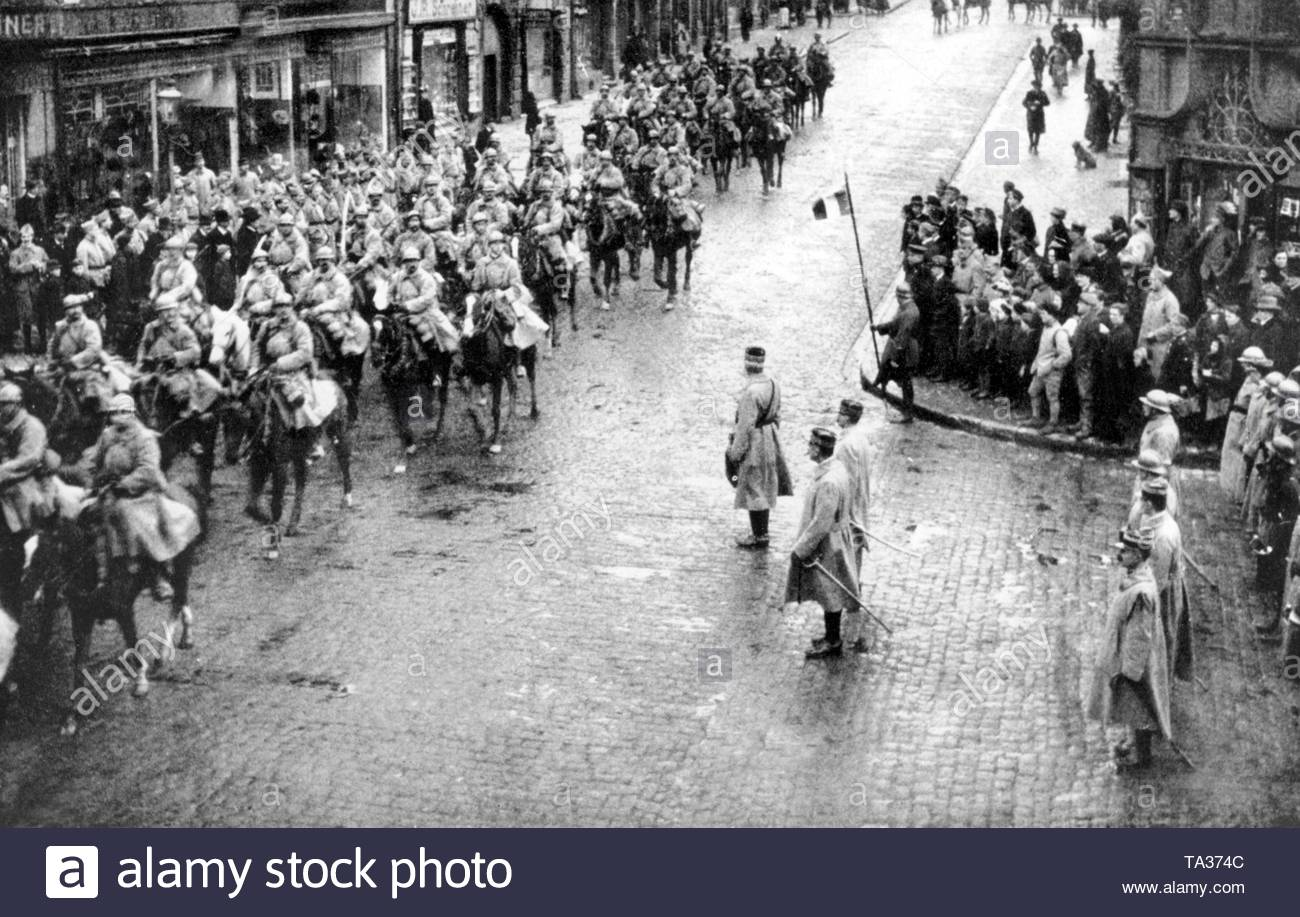 After the end of the World War, the French invaded the Rhineland, as here French cavalrymen in the city of Zweibruecken in Western Palatinate. - Stock Image