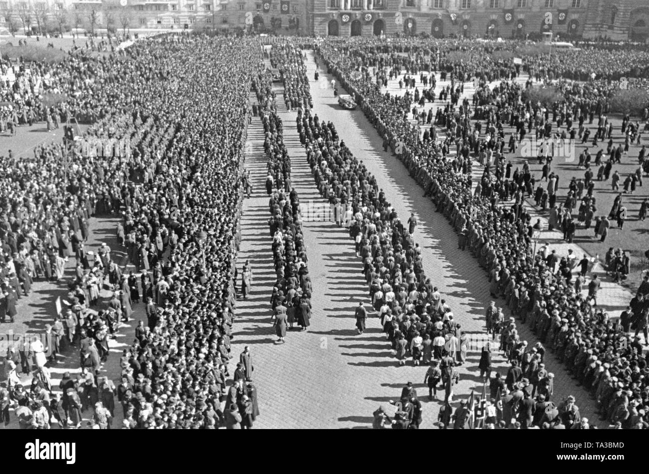 Celebrations marking the annexation of Austria to the German Reich on the Heldenplatz in Vienna. - Stock Image