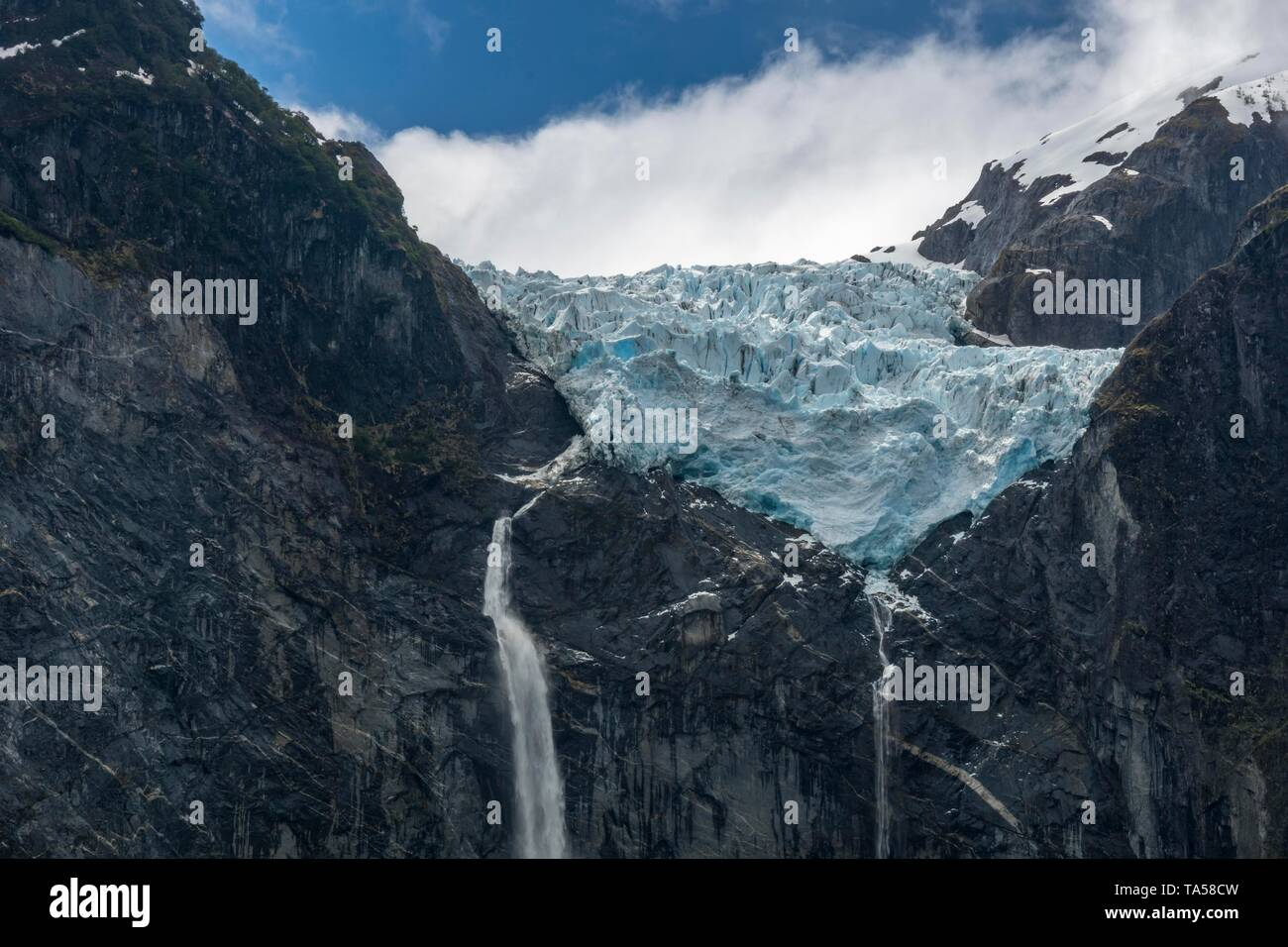 Hanging glacier Ventisquero Colgante from the vantage point at Sendero Queulat, Queulat National Park, Region de Aysen, Patagonia, Chile - Stock Image