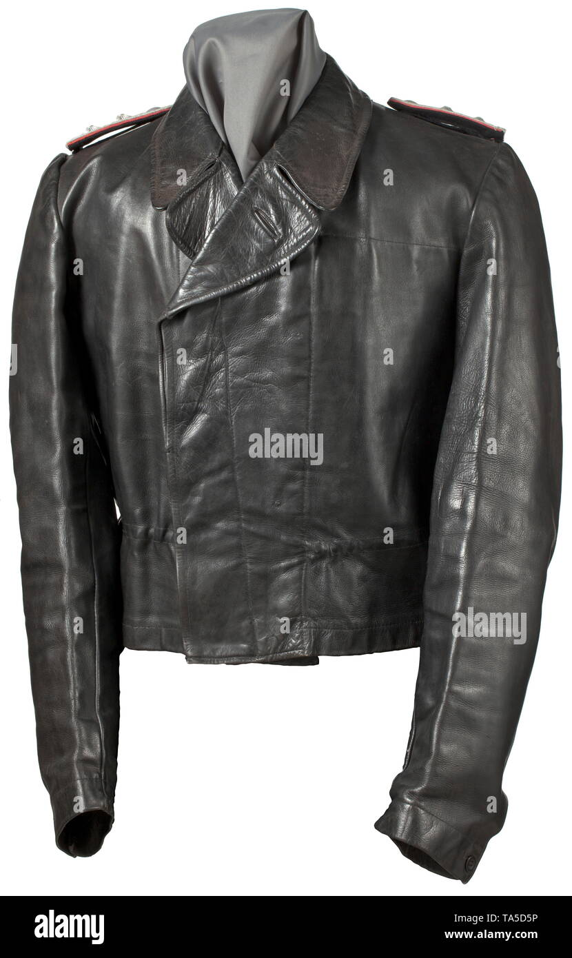 7b3cef0999905 A leather jacket to the black special clothing for an SS-Hauptsturmführer  of the SS