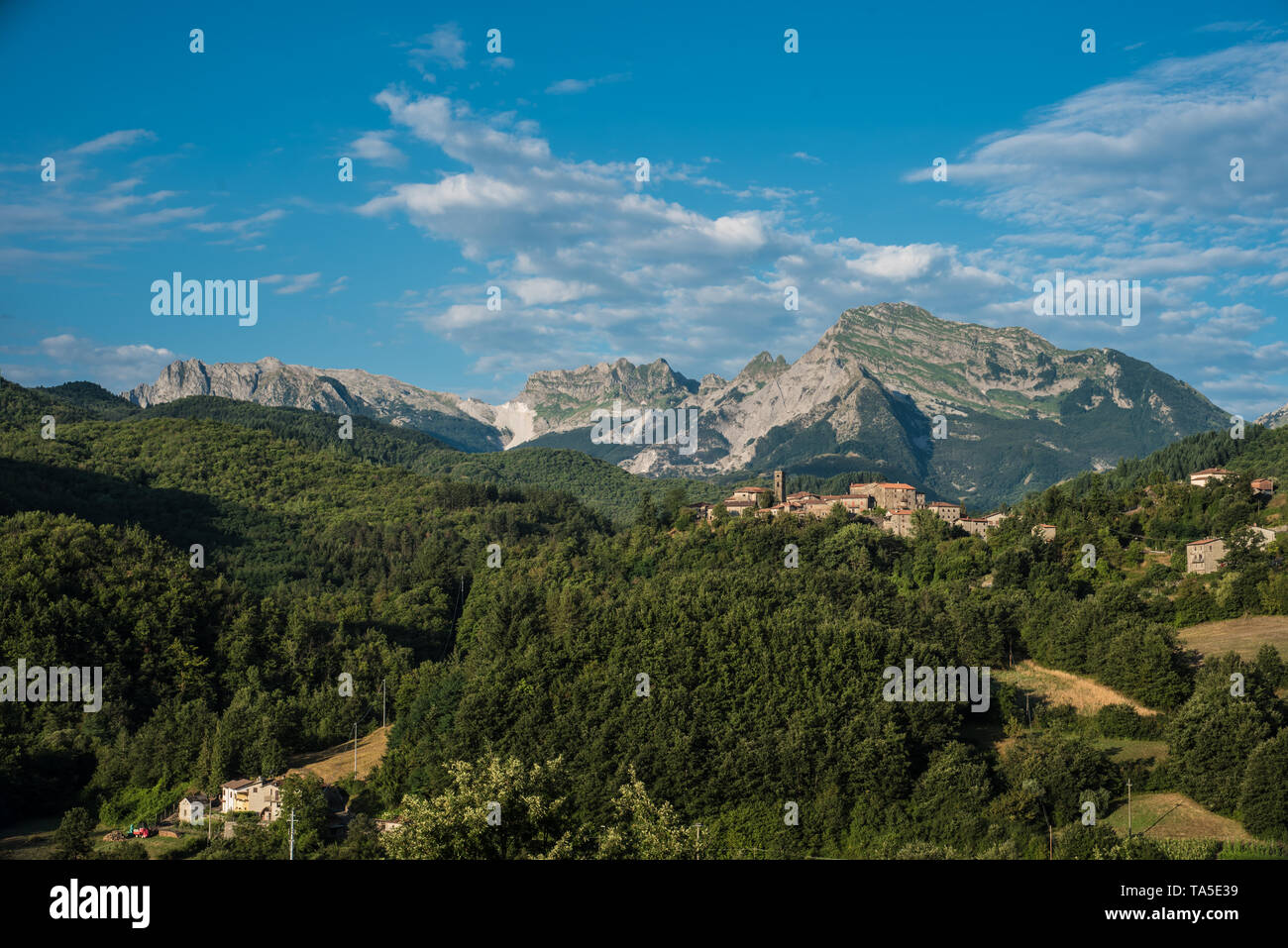 In Garfagnana, the high valley of the Serchio river that laps the inner side of the Apuan Alps, the work of marble is scarce 120 years, therefore the  - Stock Image