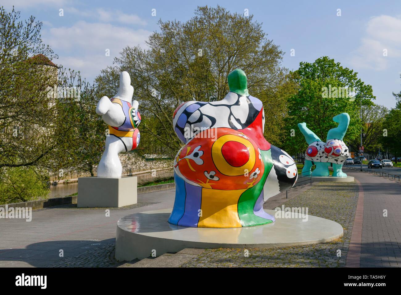 Nanas, plastics, Niki de Saint Phalle, Leibniz's shore, Hannover, Lower Saxony, Germany, Plastiken, Leibnizufer, Niedersachsen, Deutschland - Stock Image