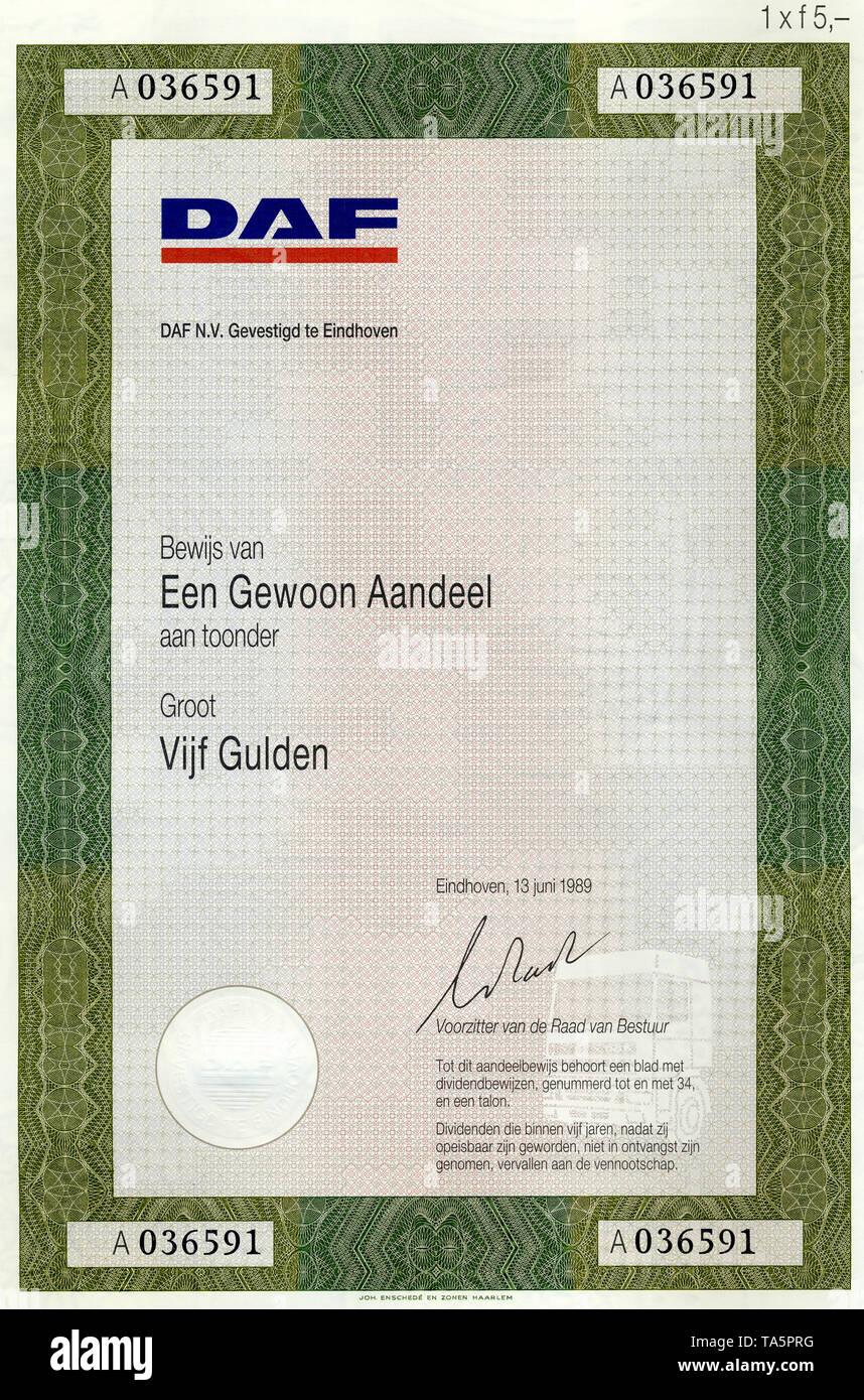 Historic stock certificate, Securities certificate, bearer warrant, historisches Wertpapier, Aktie über 5 niederländische Gulden, hfl, Automobilhersteller, LKW-Produktion, DAF, ausgestellt in Eindhoven 1989, Niederlande, Europa - Stock Image