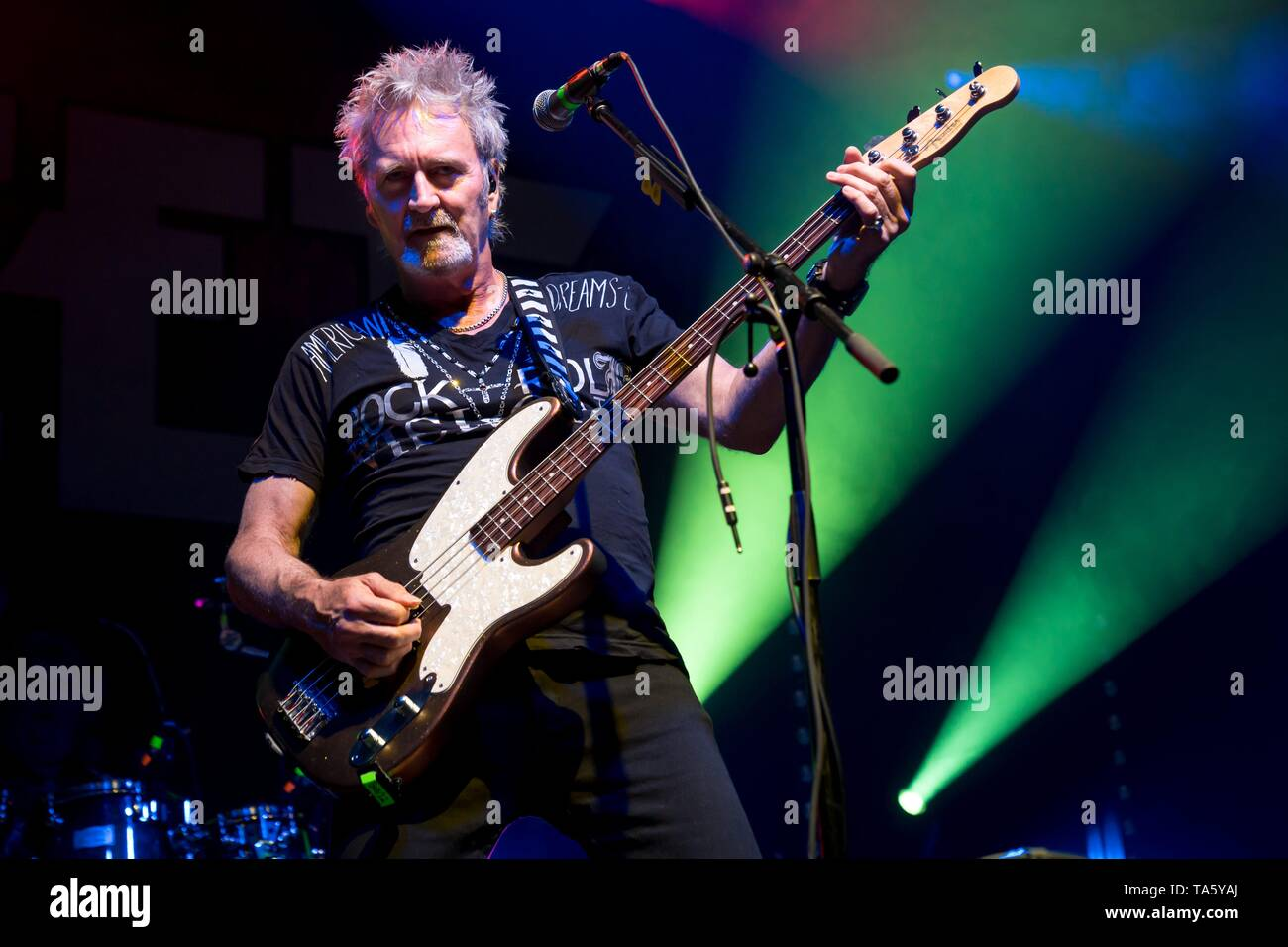 Berlin, Deutschland. 21st May, 2019. 21.05.2019, the British rock singer and bassist of the glam rock band The Sweet Pete Lincoln live on stage at the STILL GOT THE ROCK - Tour 2019 in the Columbiahalle in Berlin.   usage worldwide Credit: dpa/Alamy Live News Stock Photo