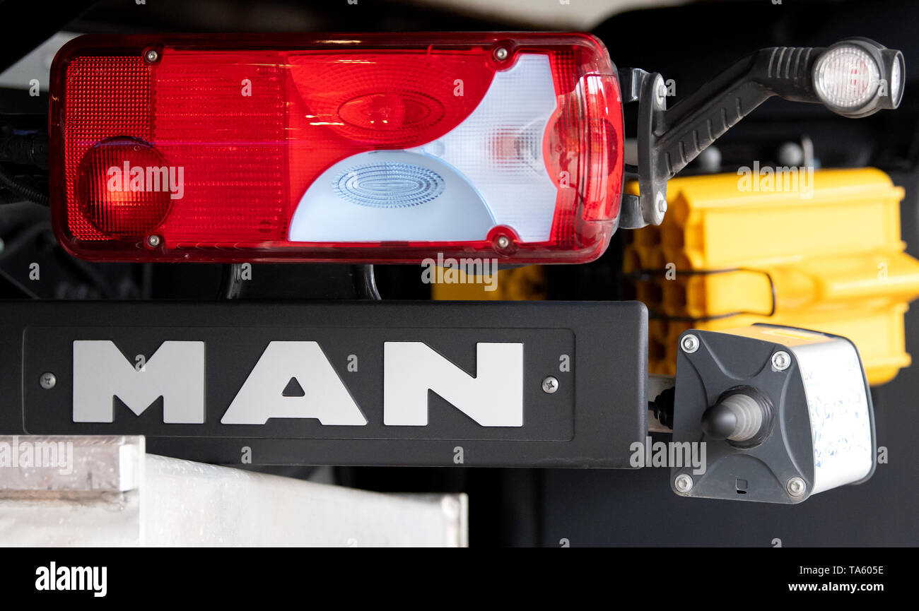 Munich, Germany. 22nd May, 2019. The rear light of a MAN SE truck is to be seen before the beginning of the Annual General Meeting. The bus and truck manufacturer now owns 95 percent of the VW subsidiary Traton SE, which plans to go public shortly. Credit: Sven Hoppe/dpa/Alamy Live News - Stock Image