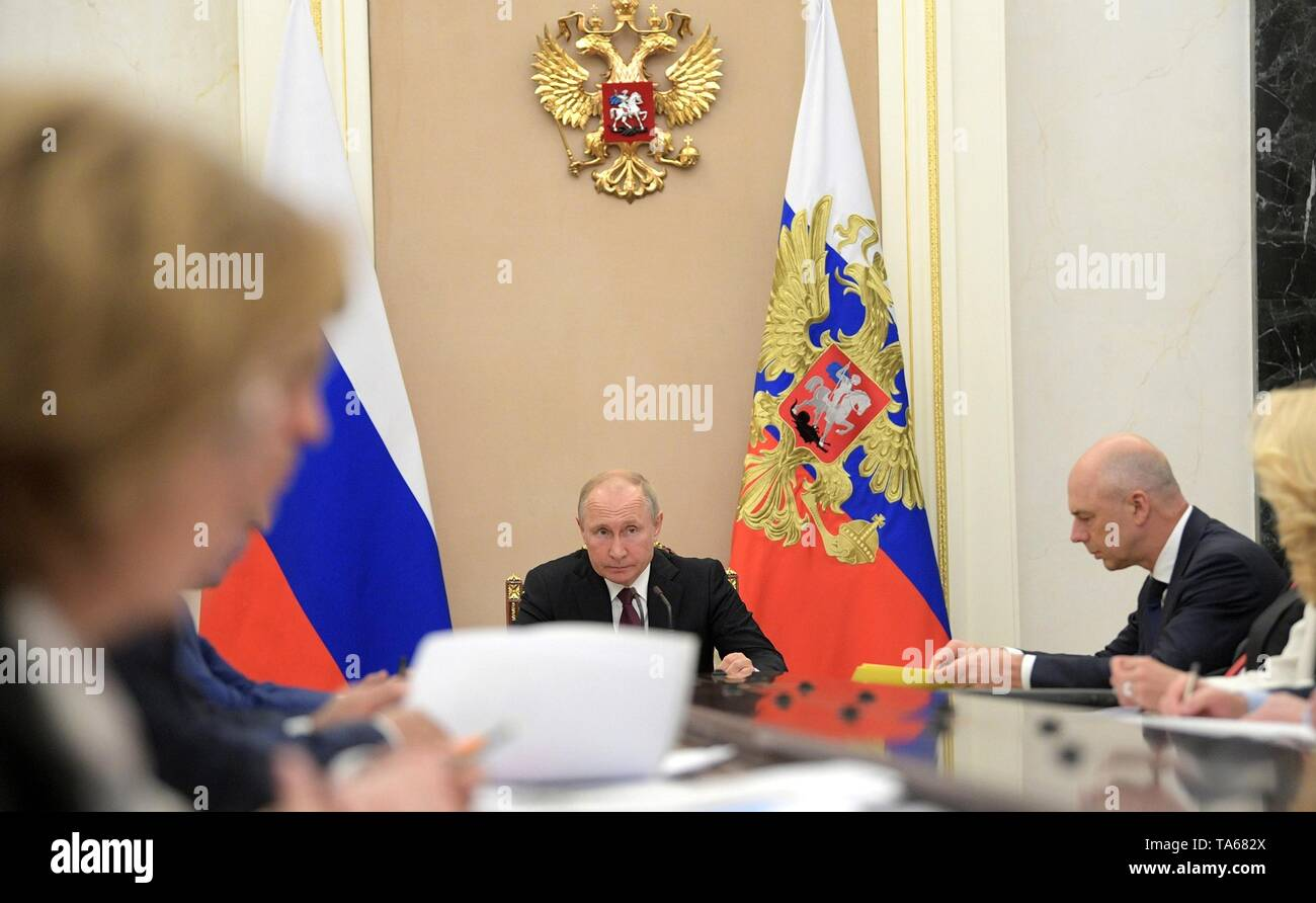 Moscow, Russia. 22nd May, 2019. Russian President Vladimir Putin, center, during an government meeting at the Kremlin May 22, 2019 in Moscow, Russia. Credit: Planetpix/Alamy Live News - Stock Image