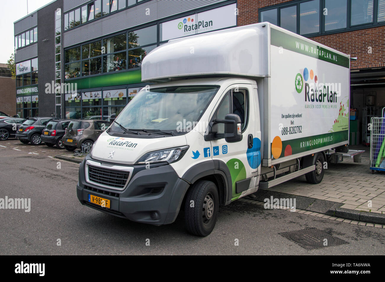 Truck Company High Resolution Stock Photography And Images Alamy