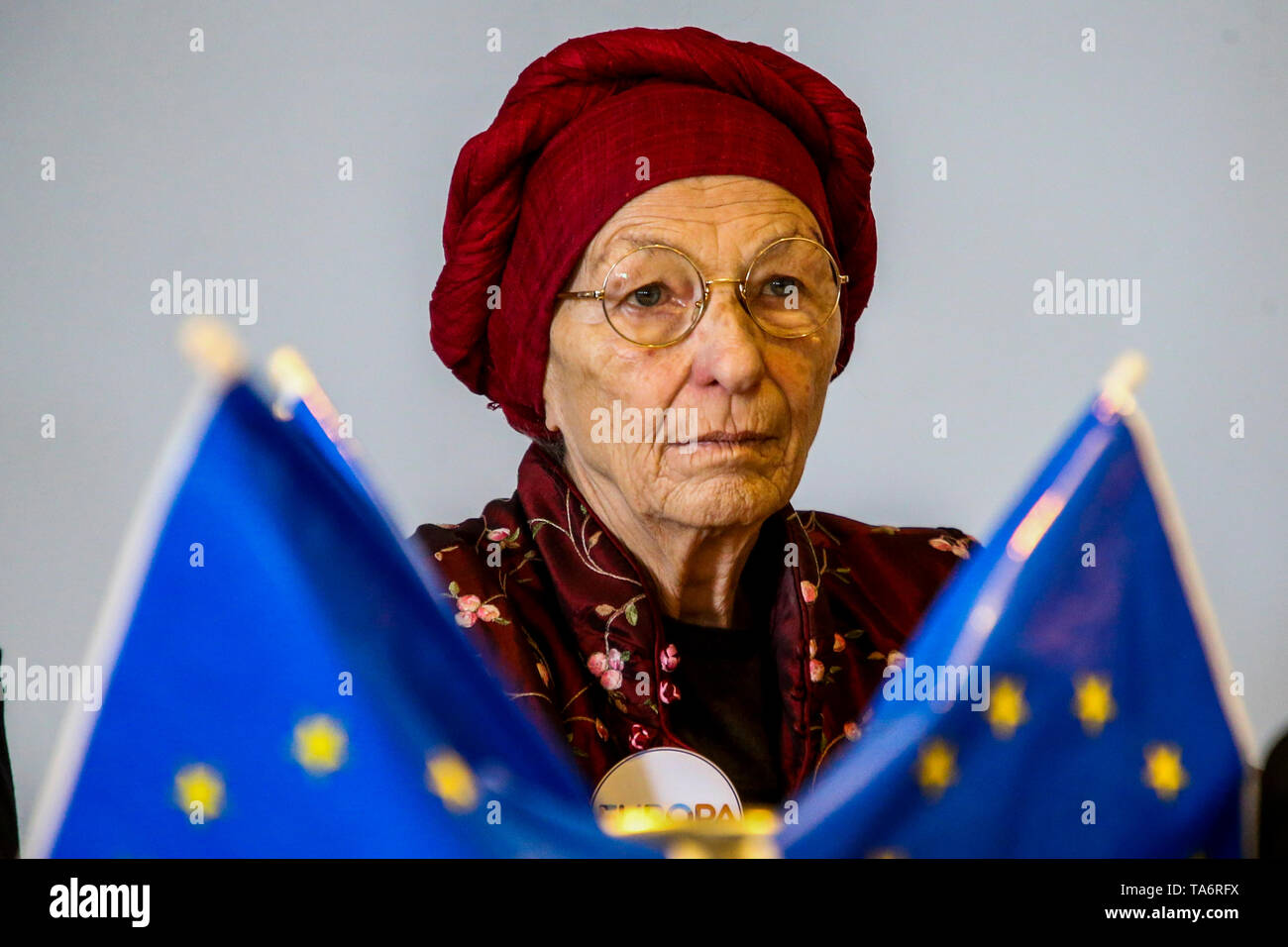 Naples, Italy. 21st May, 2019. Emma Bonino, Italian Member of Parliament, was Minister of Foreign Affairs of the Italian Republic in the Letta Government from 28 April 2013 to 22 February 2014. She is one of the most important figures of Italian liberal radicalism of the Republican age, press conference for the candidacy of her party '  Europe 'at the next European elections on May 26, 2019 in Naples Credit: Antonio Balasco/Pacific Press/Alamy Live News - Stock Image