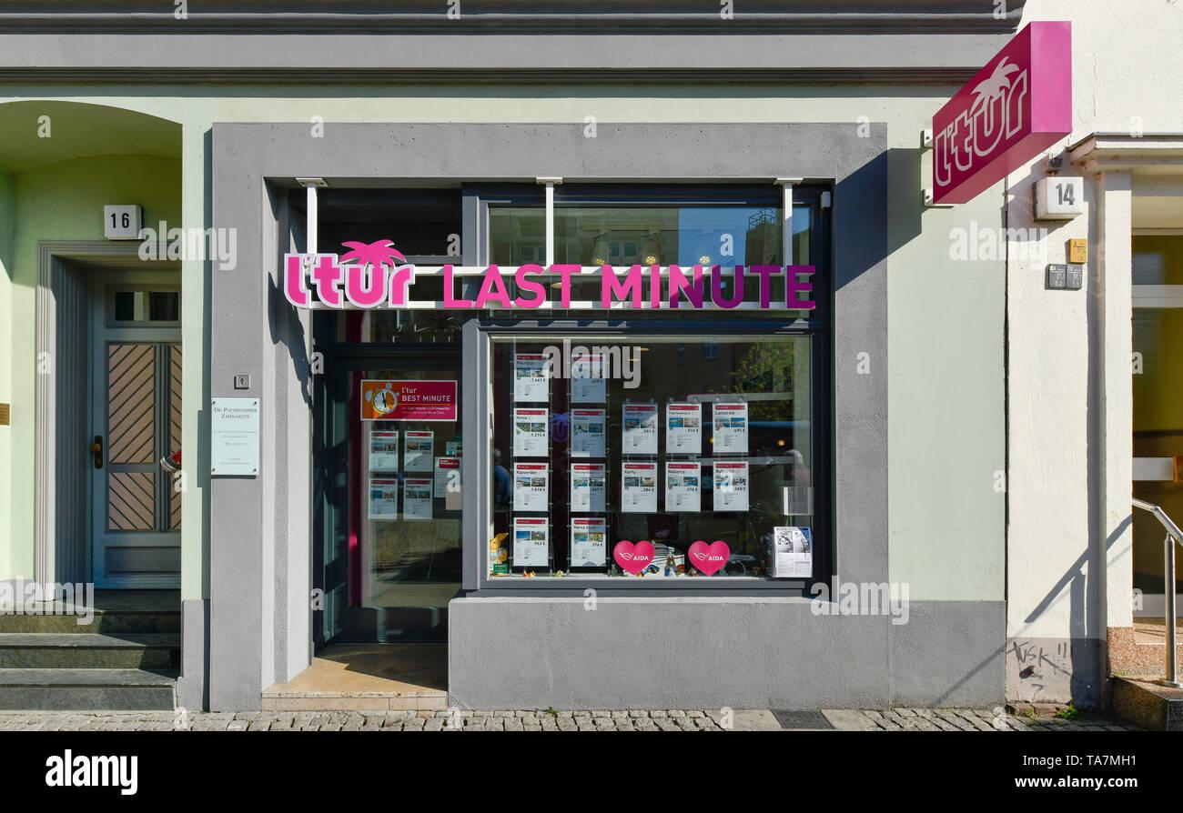 l'tur travel agency, Carl apron street, Old Town, Spandau, Berlin, Germany, l´tur Reisebüro, Carl-Schurz-Straße, Altstadt, Deutschland - Stock Image