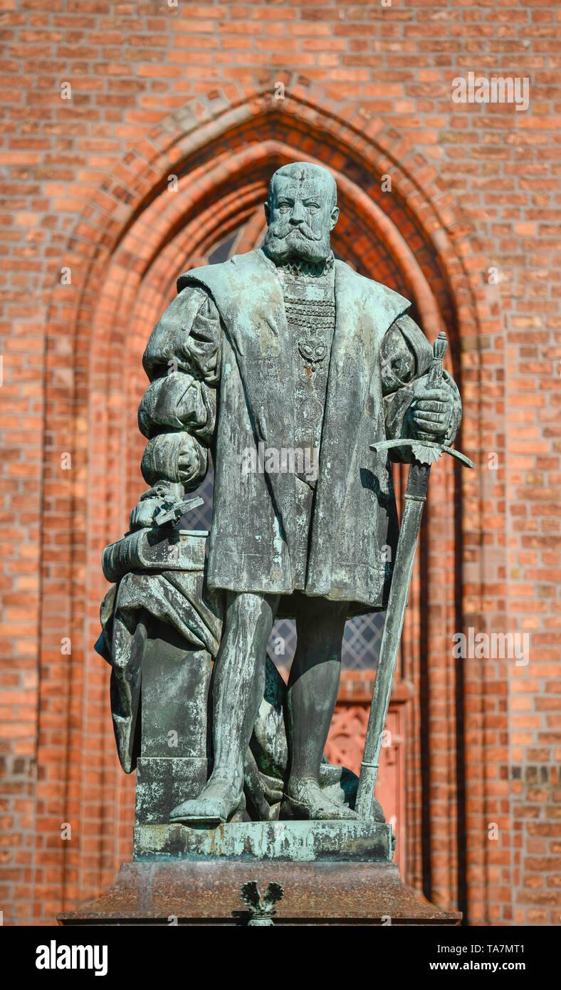 Monument elector Joachim II, Reformation place, Old Town, Spandau, Berlin, Germany, Denkmal Kurfürst Joachim II., Reformationsplatz, Altstadt, Deutsch - Stock Image