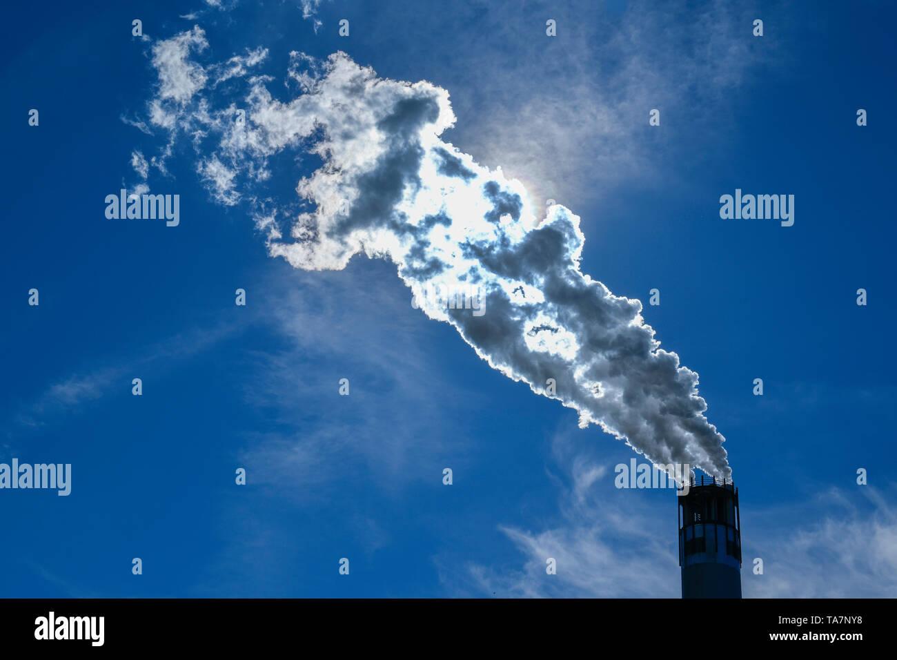 Chimney, sewage work, freedom, life of rest, Spandau, Berlin, Germany, Schornstein, Klärwerk, Freiheit, Ruhleben, Deutschland - Stock Image