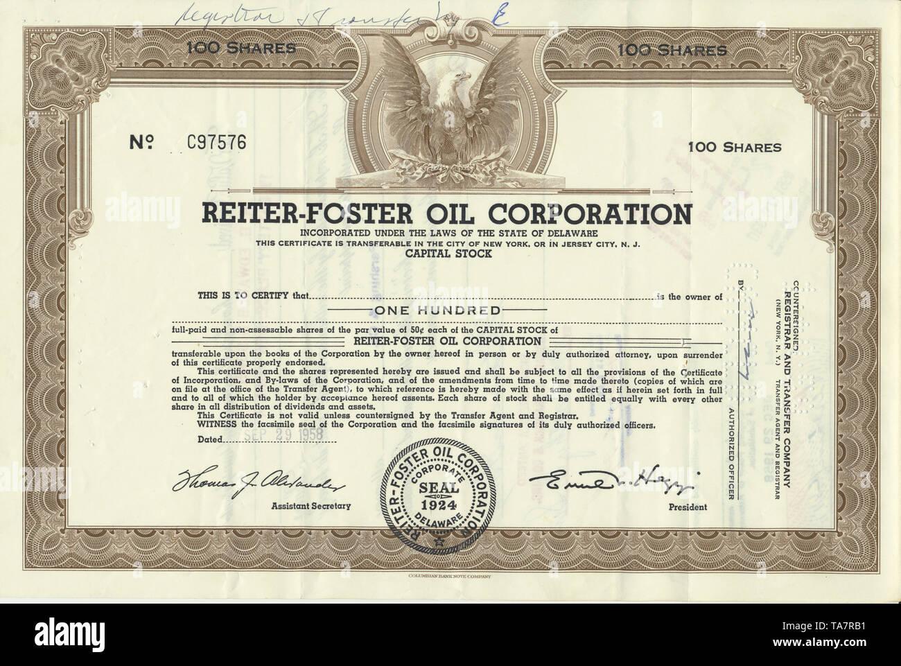Historical stock certificate of an oil and gas company, Reiter-Foster Oil Corporation, Delaware, USA, 1958, Wertpapier, historische Aktie, Mineralöl- und Erdgasunternehmen, Reiter-Foster Oil Corporation, 1958, Delaware, USA - Stock Image