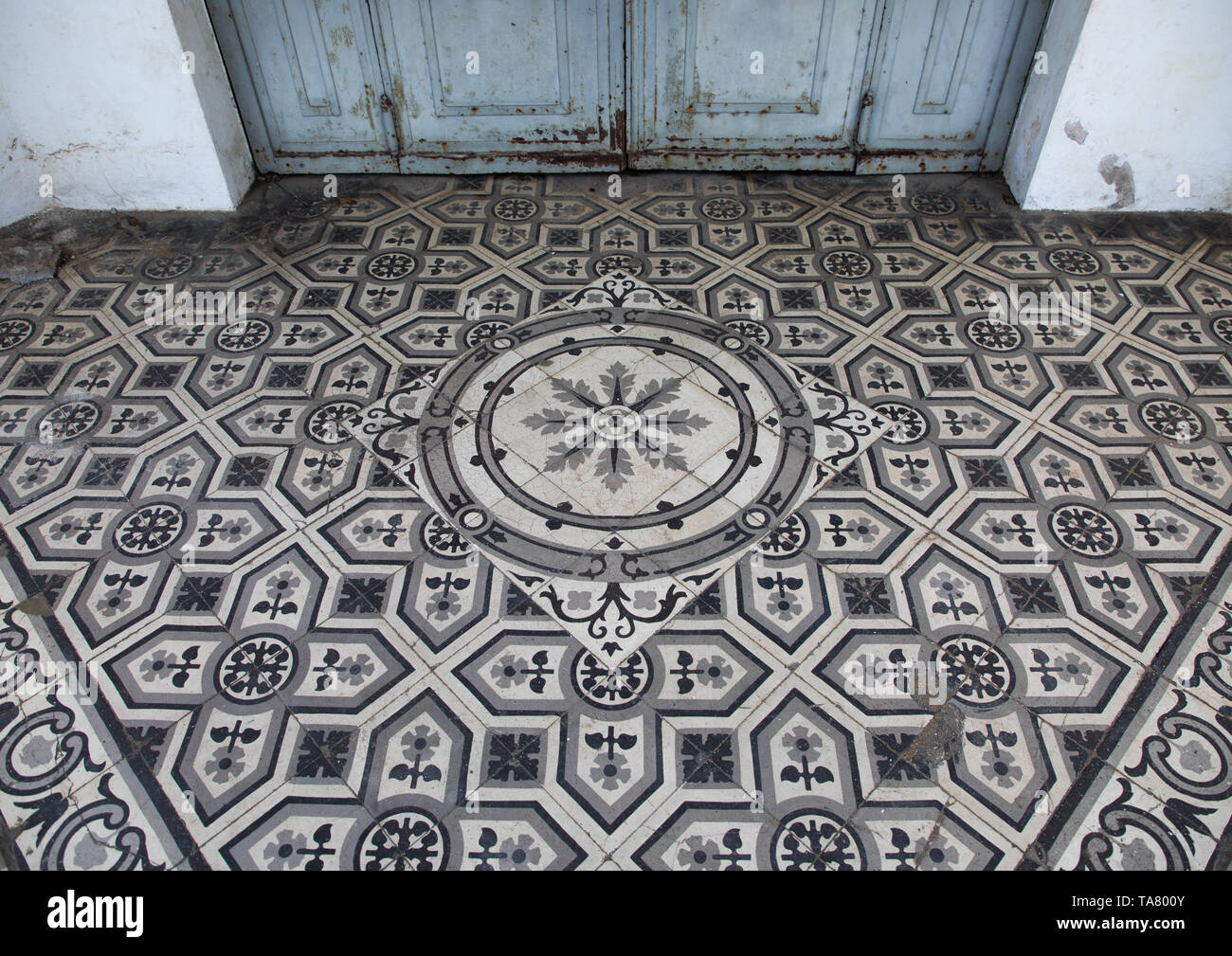 French tiles in the former banque centrale africaine, Sud-Comoé, Grand-Bassam, Ivory Coast - Stock Image