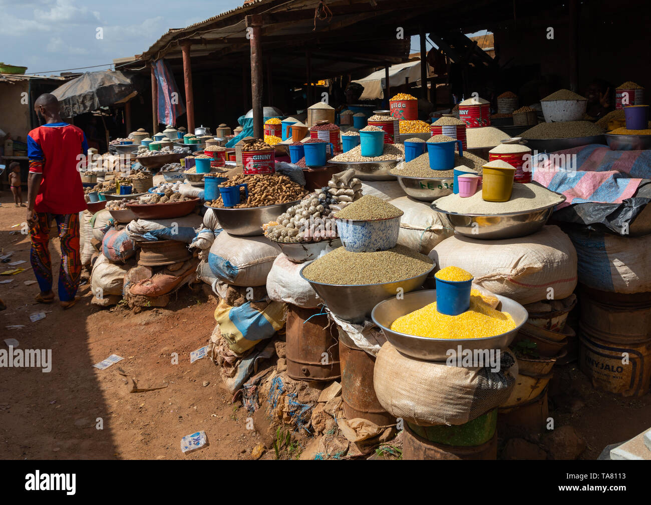 Grains market under the sun, Poro region, Korhogo, Ivory Coast Stock Photo