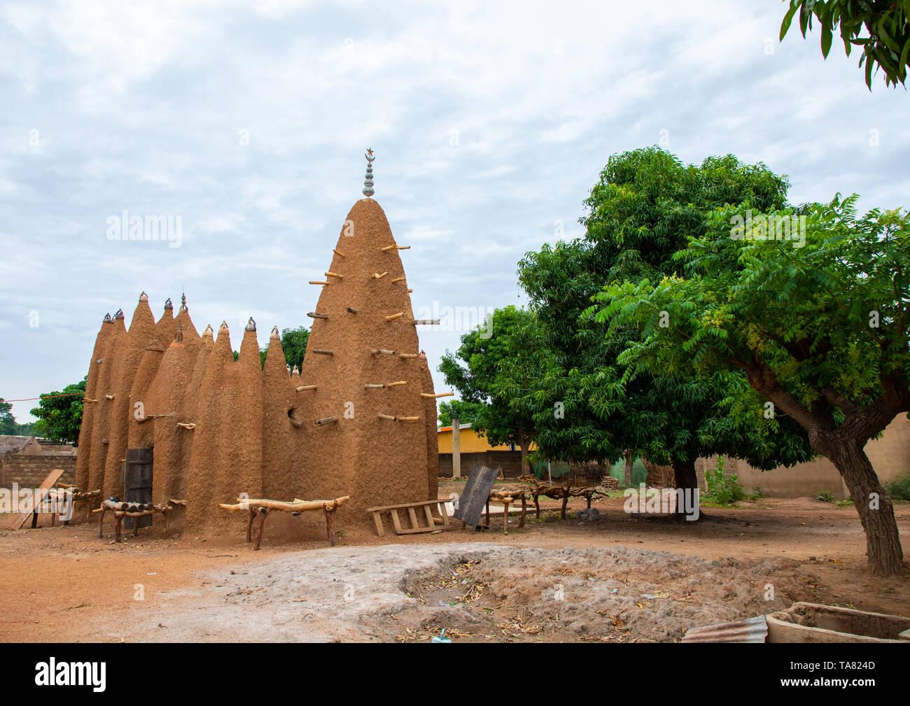 The 17th century sudano-sahelian mosque, Savanes district, Kouto, Ivory Coast - Stock Image