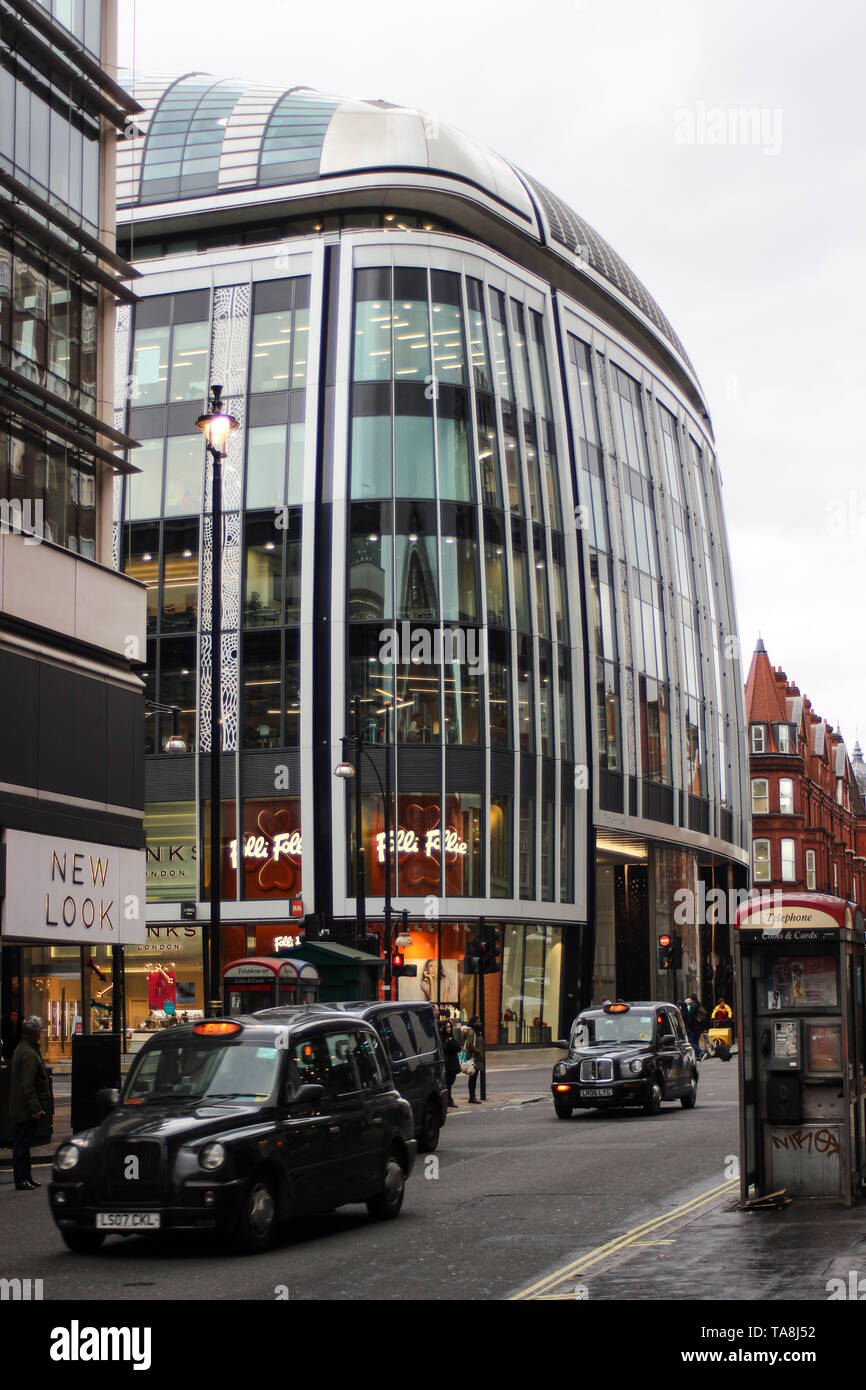 Modern building on Oxford St and Portman St - Stock Image