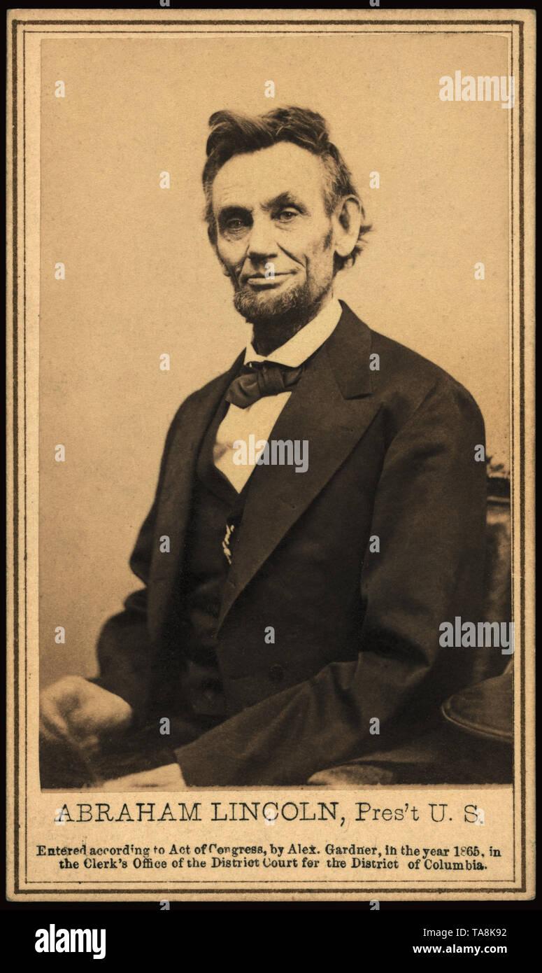 Half-Length Seated Portrait of Abraham Lincoln, President, U.S., Photograph by Alexander Gardner, Washington DC, USA, 1865 - Stock Image