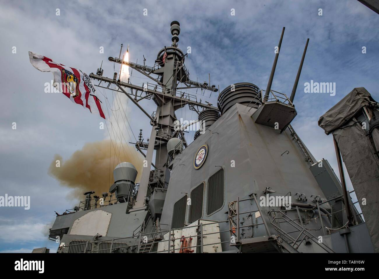 190517-N-TI693-0080    ATLANTIC OCEAN (May 17, 2019) - The Arleigh Burke-class guided-missile destroyer USS Carney (DDG 64) fires an SM-2 missile during a live-fire exercise as part of exercise Formidable Shield 19, May 17, 2019. Formidable Shield is designed to improve allied interoperability in a live-fire integrated air and missile defense environment, using NATO command and control reporting structures. (U.S. Navy photo by Mass Communication Specialist 1st Class Fred Gray IV/Released) - Stock Image