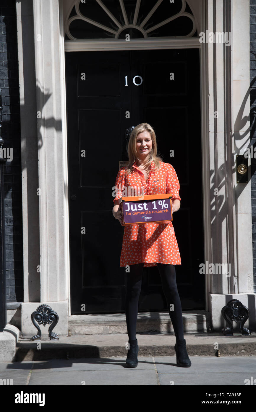 Countdown Presenter Rachel Riley Delivers A Petition Of 35 000 Signatures Calling For More Government Funding Into Dementia Stock Photo Alamy