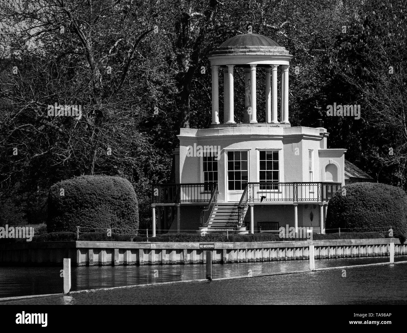 Black and White Photography of, Temple Island, Starting Point for  Henley Royal Regatta, Henley-on-Thames, Oxfordshire, England, UK, GB. - Stock Image