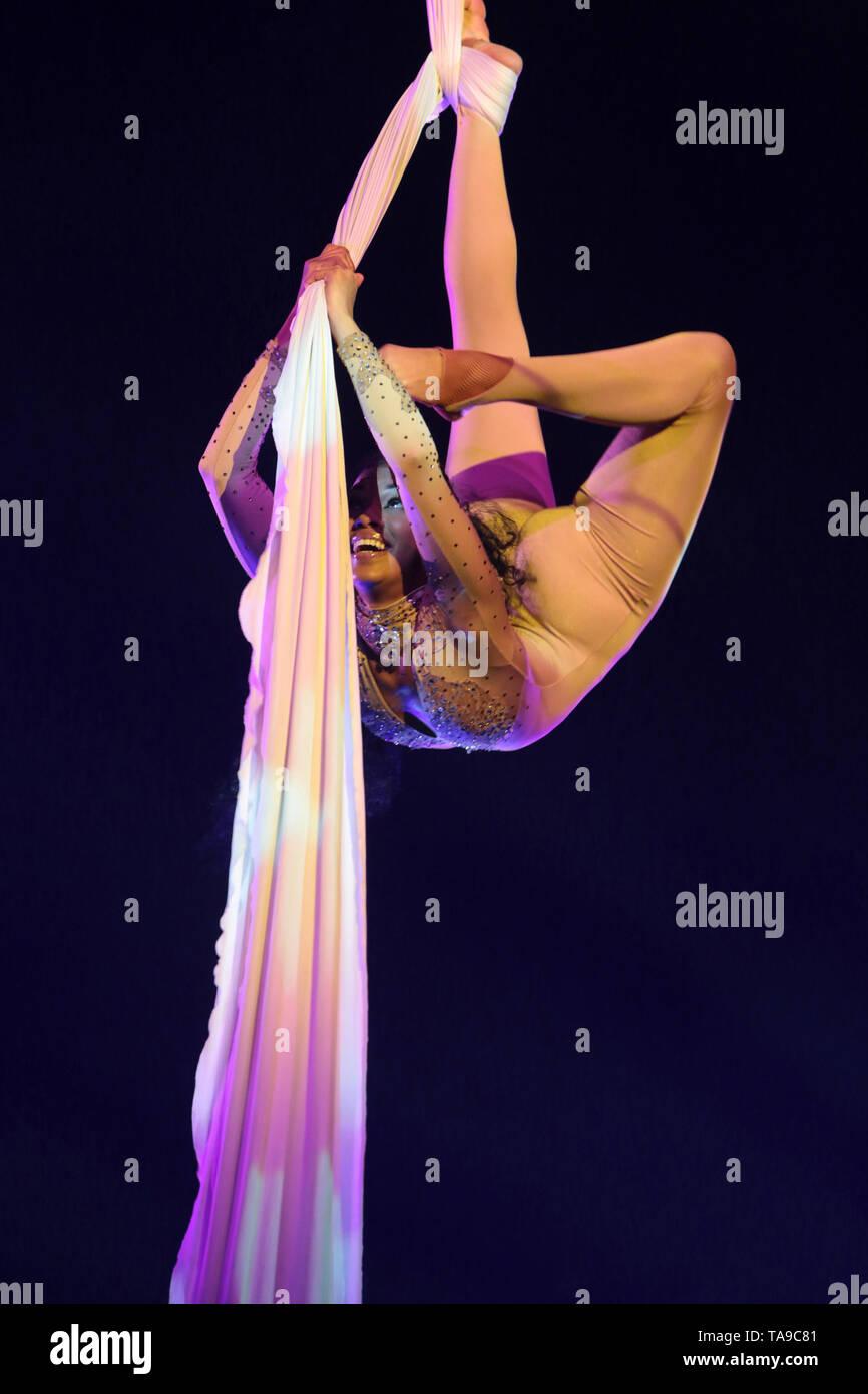 Equilibriste. Spectacle du Cirque Pinder. - Stock Image
