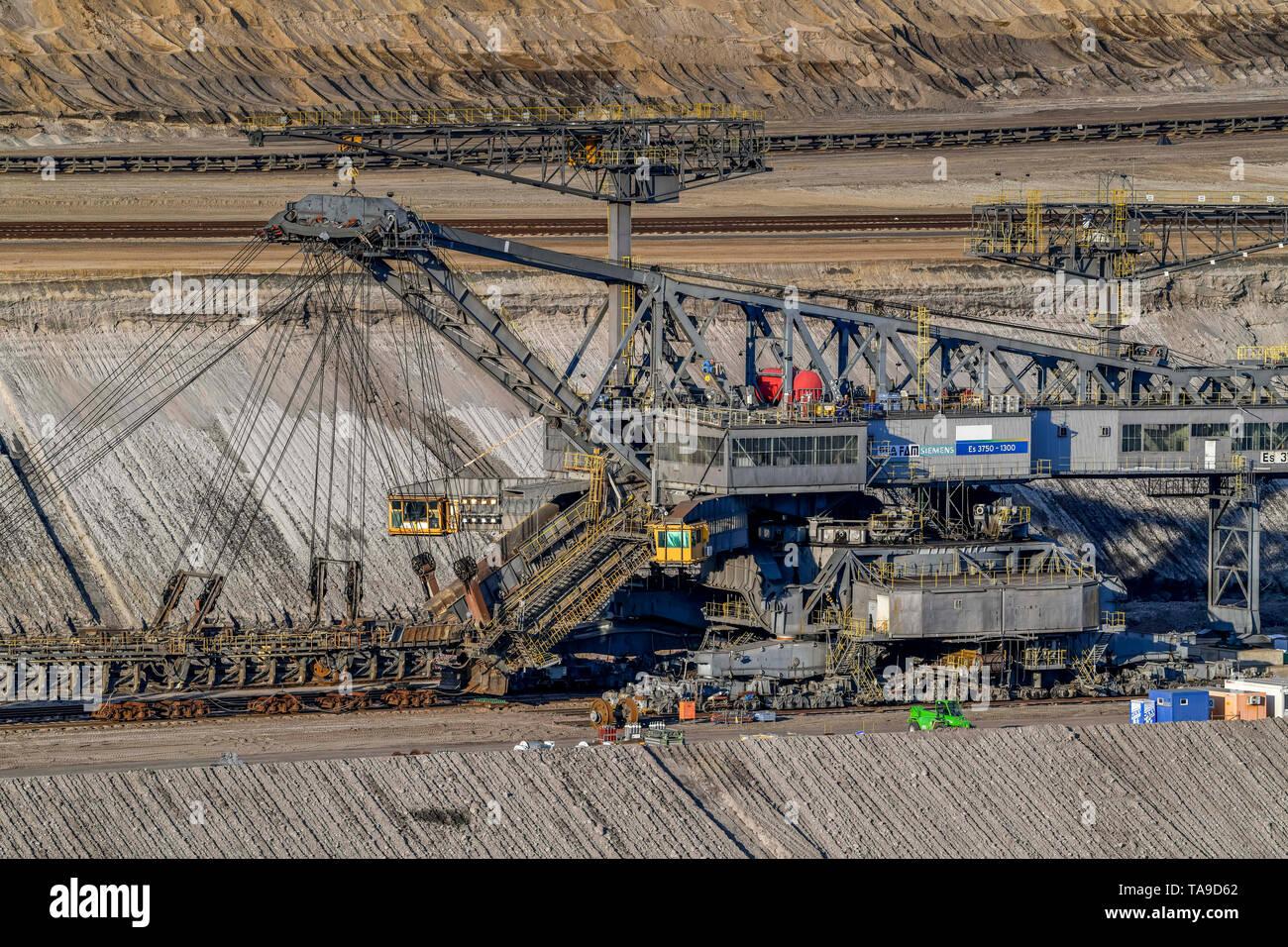 Overburden excavator, brown coal opencast mining Cottbus the north, Jänschwalde, Brandenburg, Germany, Abraumbagger, Braunkohle Tagebau Cottbus Nord,  Stock Photo