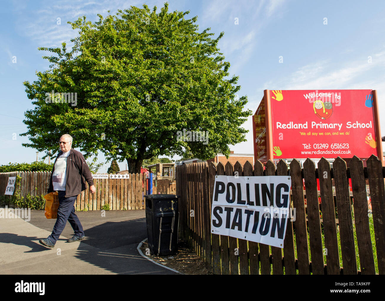 Chippenham, UK. 23rd May, 2019. A man going to vote in the 2019 European Parliament elections is pictured leaving a polling station situated inside a school in Chippenham, Wiltshire. Credit: Lynchpics/Alamy Live News - Stock Image