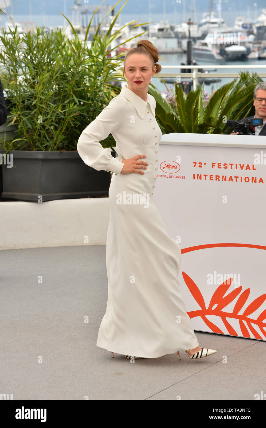 Cannes, France. 23rd May, 2019. CANNES, FRANCE. May 23, 2019: Sara Forestier at the photocall for 'Oh Mercy!' at the 72nd Festival de Cannes. Picture Credit: Paul Smith/Alamy Live News - Stock Image