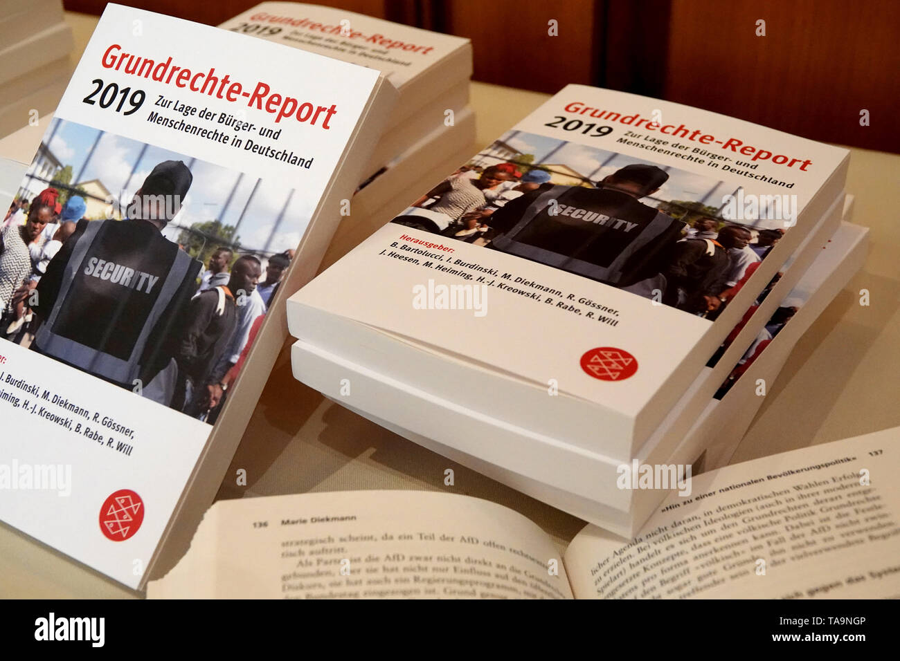 Karlsruhe, Germany. 23rd May, 2019. The new Fundamental Rights Report 2019 will be available for viewing when the book is presented. (to dpa: 'Gysi stimulates social expansion of the Basic Law') Credit: Simon Sachseder/dpa/Alamy Live News - Stock Image