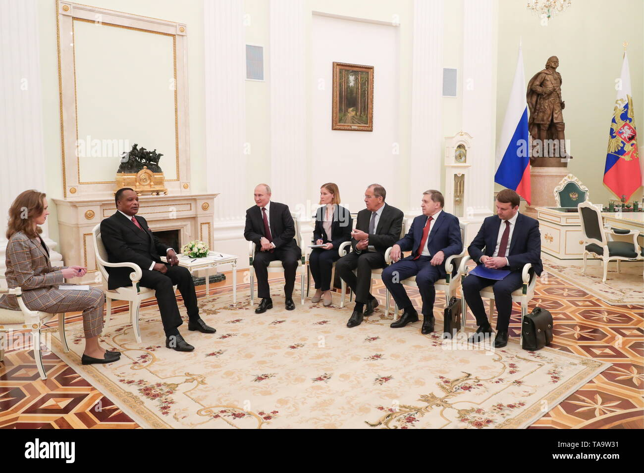 Moscow, Russia. 23rd May, 2019. MOSCOW, RUSSIA - MAY 23, 2019: President of Republic of the Congo, Denis Sassou Nguesso (2nd L) and Russia's President Vladimir Putin (3rd L) during a meeting at the Moscow Kremlin. Mikhail Klimentyev/Russian Presidential Press and Information Office/TASS Credit: ITAR-TASS News Agency/Alamy Live News - Stock Image