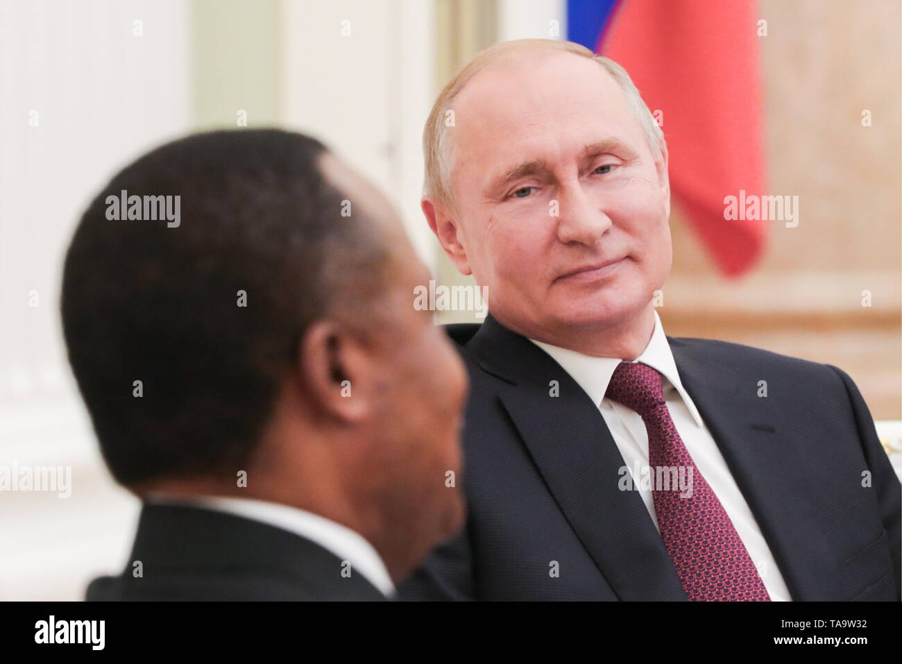 Moscow, Russia. 23rd May, 2019. MOSCOW, RUSSIA - MAY 23, 2019: President of Republic of the Congo, Denis Sassou Nguesso (L) and Russia's President Vladimir Putin during a meeting at the Moscow Kremlin. Mikhail Klimentyev/Russian Presidential Press and Information Office/TASS Credit: ITAR-TASS News Agency/Alamy Live News - Stock Image