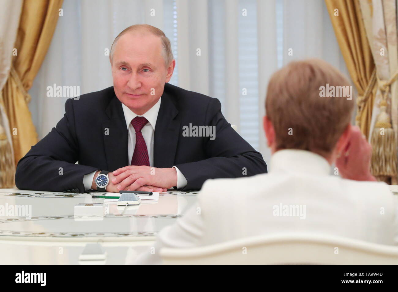 Moscow, Russia. 23rd May, 2019. MOSCOW, RUSSIA - MAY 23, 2019: Russia's President Vladimir Putin during a meeting with former heads of Russian regions, at the Moscow Kremlin. Mikhail Klimentyev/Russian Presidential Press and Information Office/TASS Credit: ITAR-TASS News Agency/Alamy Live News - Stock Image