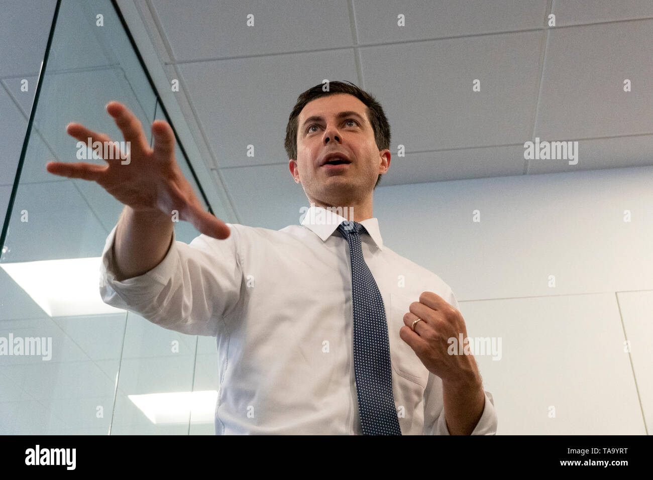 Mayor Pete Buttigieg meets with leaders of the Jewish community at a communal parlor meeting at the offices of Bluelight Strategies in Washington, DC, U.S. on May 23, 2019. Credit: Stefani Reynolds/CNP /MediaPunch Stock Photo