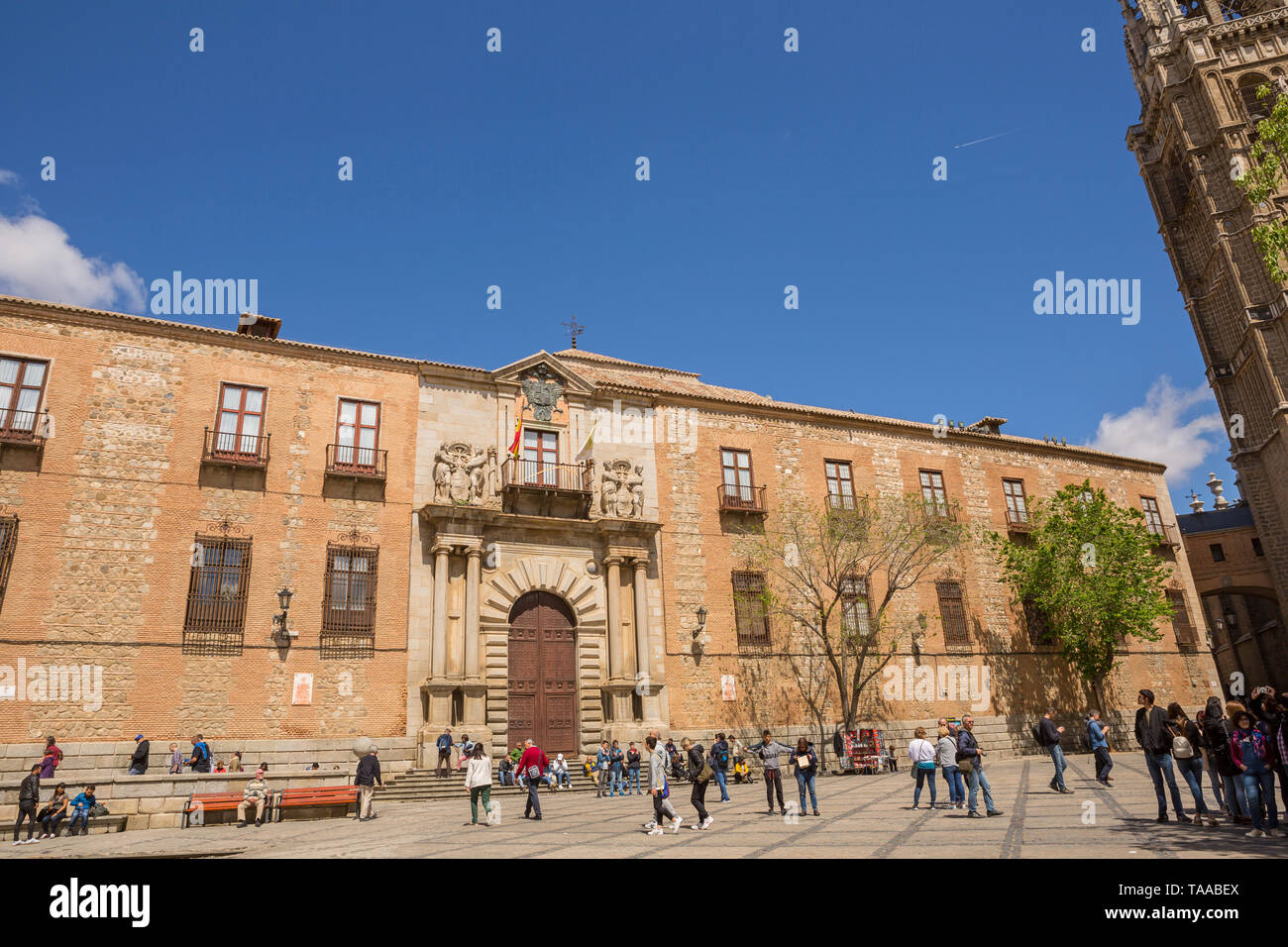 TOLEDO, SPAIN - April 26, 2019: People visiting the cathedral church of Toledo, Spain - Stock Image