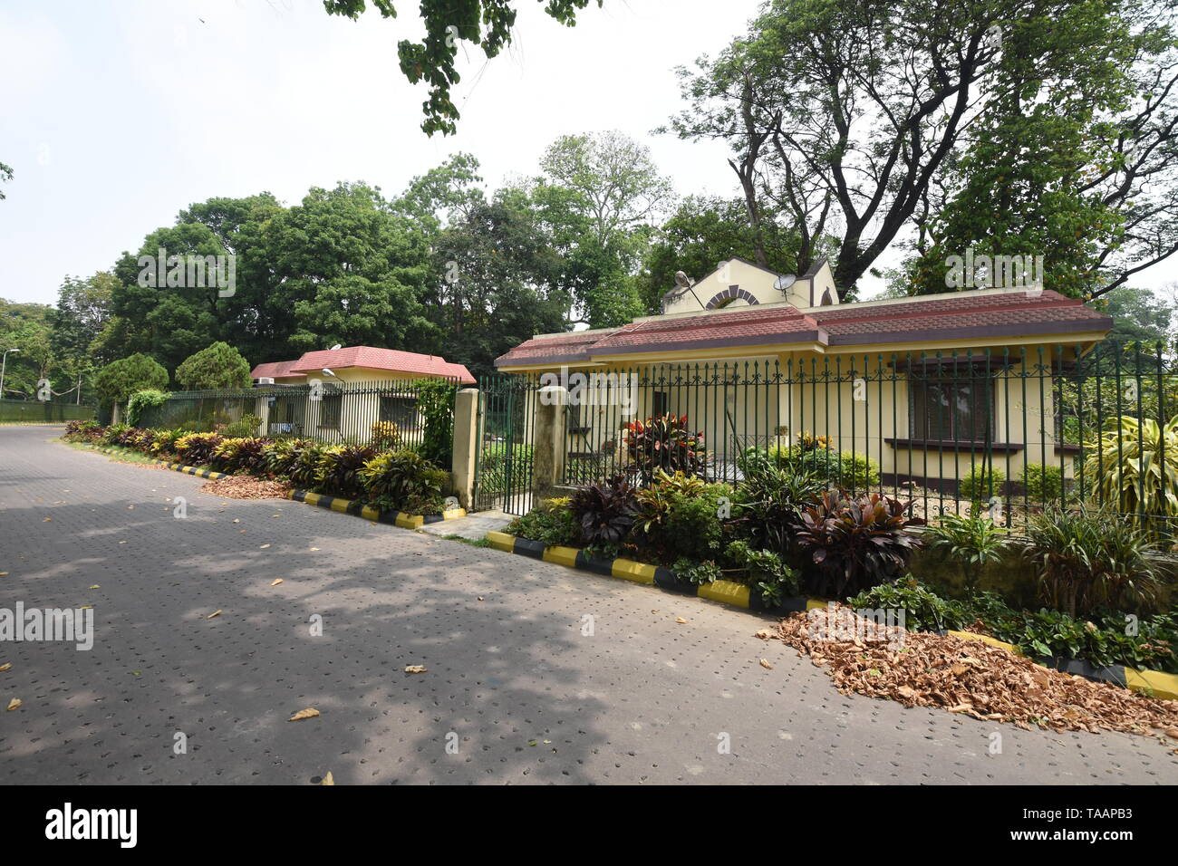 Indian Houses With Garden High Resolution Stock Photography And Images Alamy
