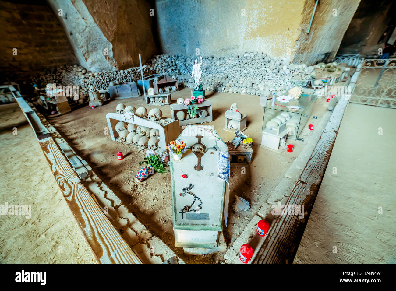 Naples, Italy. 14th Apr, 2019. The cemetery of Fontanelle is an ancient cemetery of the city of Naples, located in via Fontanelle. Called in this way for the presence in ancient times of water sources, the cemetery houses about 40,000 remains of people, victims of the great plague of 1656 and cholera of 1836. Credit: Luigi Rizzo/Pacific Press/Alamy Live News - Stock Image