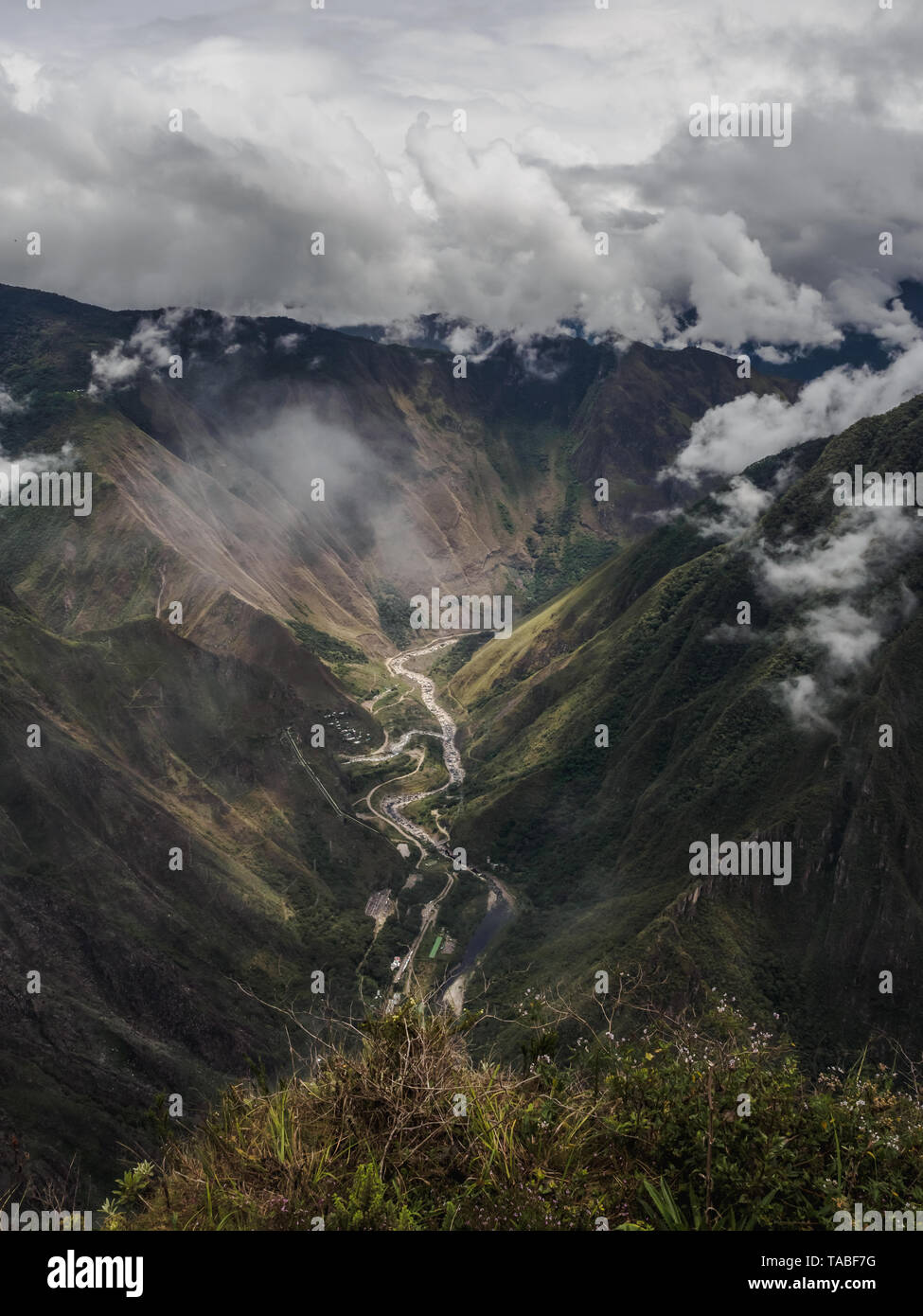 Valley of the Vilcanota river from the top of the Machu Picchu mountain in Peru. - Stock Image