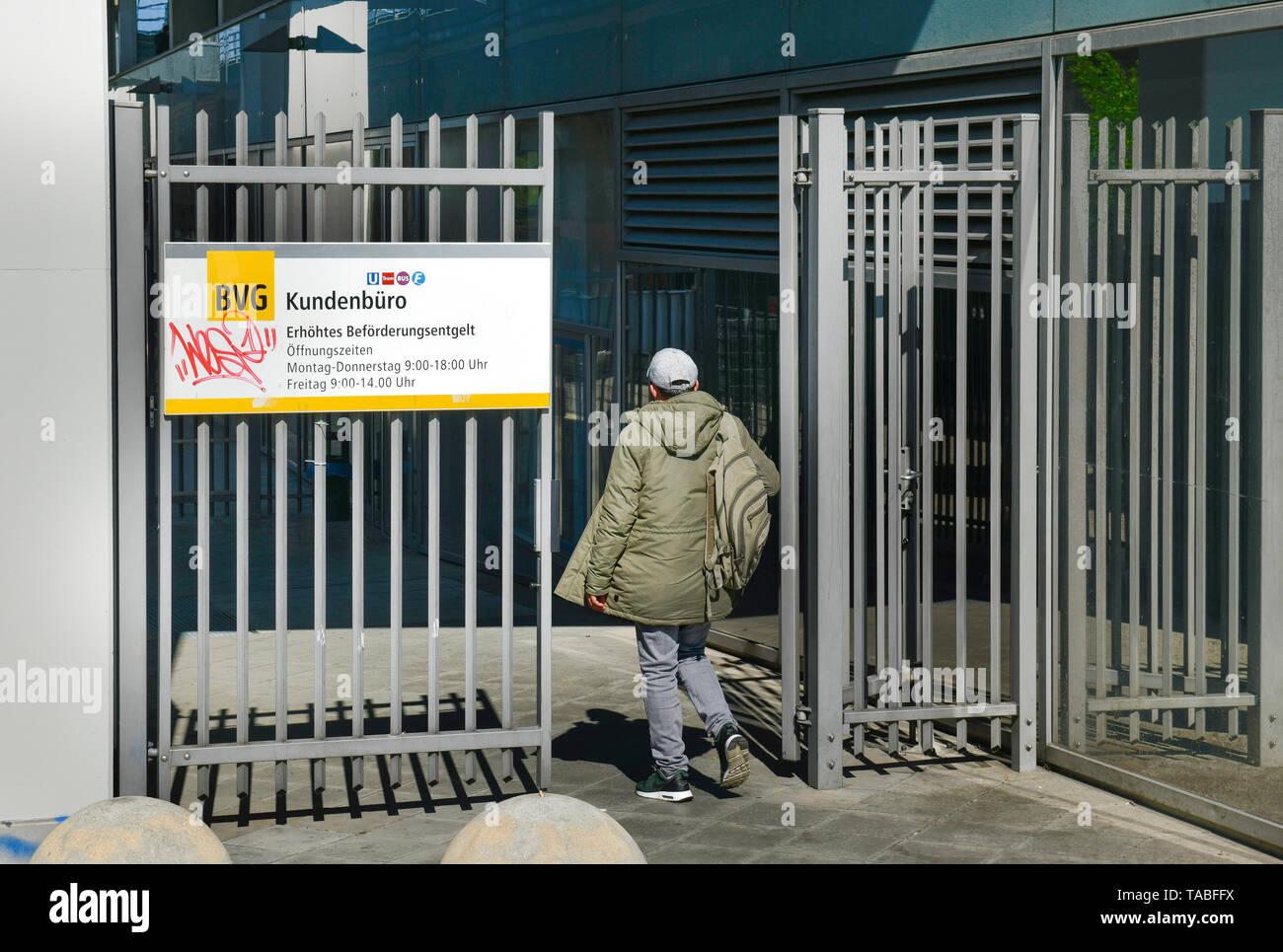Customer office raised Beförderungsentgeld, black driver, BVG headquarters, Holzmarktstrasse, middle, Berlin, Germany, Kundenbüro Erhöhtes Beförderung Stock Photo