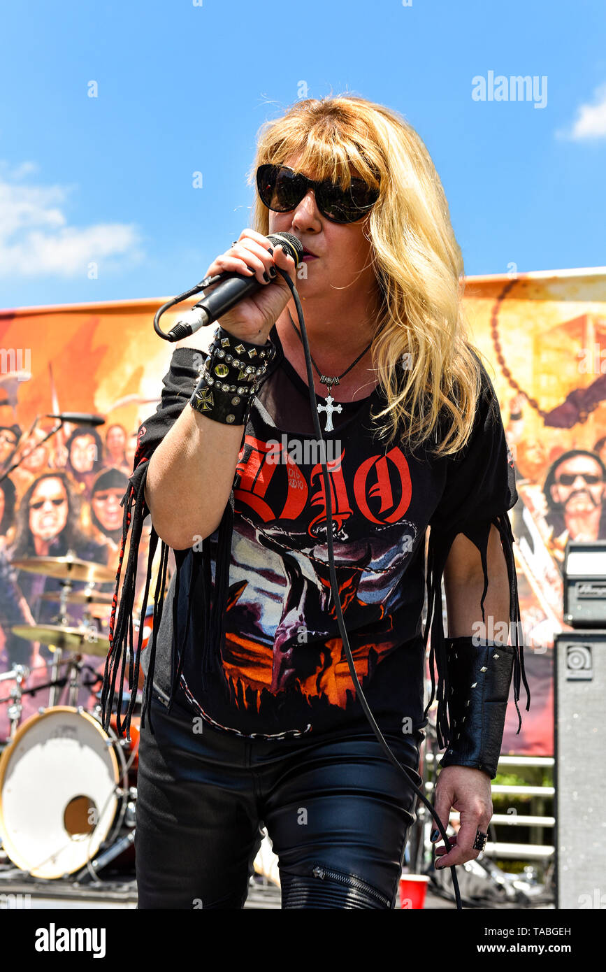May 5, 2019, Encino, Caloformia, DIA on stage at the 2019 Ride for Ronnie charity concert at Los Encinos State Historic Park. Stock Photo