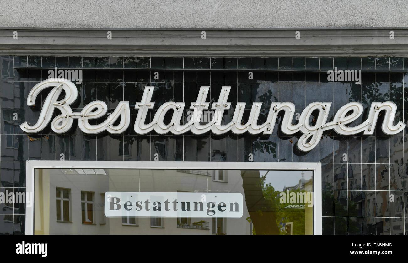 Advertisement funerals, beauty's mountain, Berlin, Germany, Werbung Bestattungen, Schöneberg, Deutschland - Stock Image
