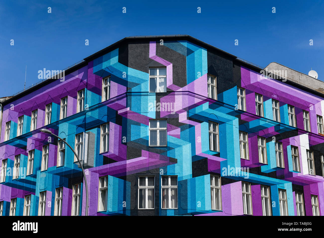Colourfully painted house, Bülowstrasse, beauty's mountain, Berlin, Germany, Farbig bemaltes Haus, Bülowstraße, Schoeneberg, Deutschland - Stock Image