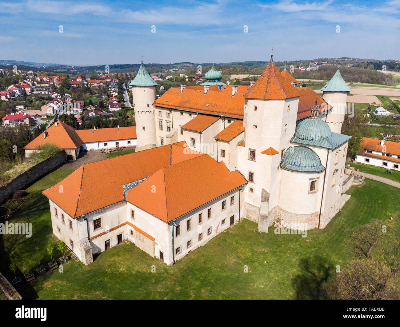NOWY WISNICZ, POLAND - APRIL 25, 2019: Aerial view of Renaissance and Baroque Castle in Nowy Wisnicz, near Tarnow, in spring scenery,Poland. - Stock Image