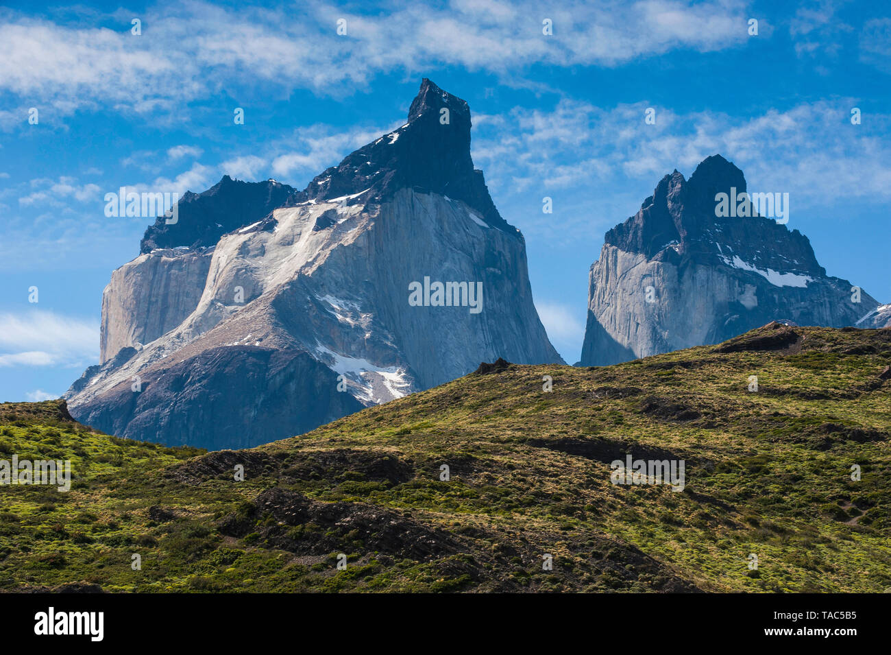 Chile, Patagonia, Torres del Paine National Park, mountainscape - Stock Image