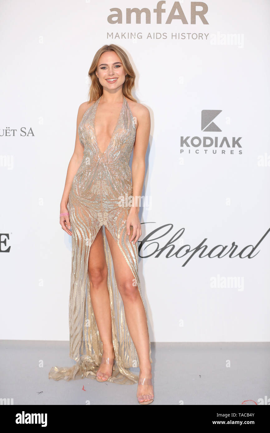 Cannes, Antibes, France. 23rd May 2019. Kimberley Garner attends the amfAR Cannes Gala 2019 at Hotel du Cap-Eden-Roc (Credit: Mickael Chavet/Zuma/Alamy Live News) - Stock Image