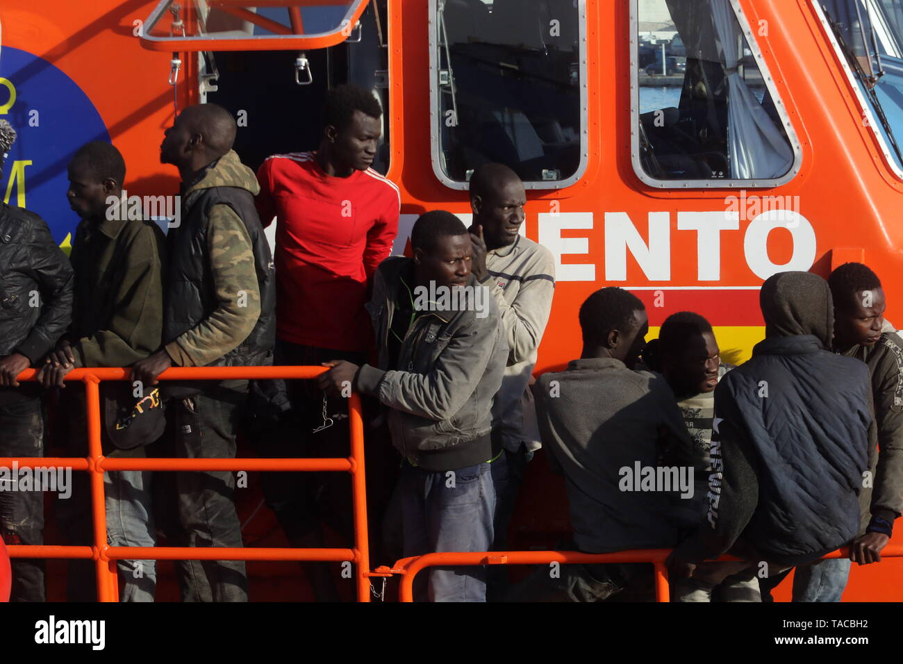 May 23, 2019 - 23 may (Malaga ) Rescued 74 immigrants from
